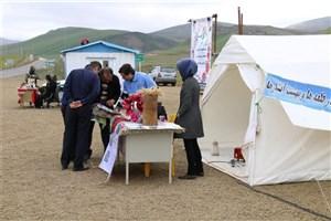 راهنمایی میهمانان نوروزی در چادرهای اطلاع رسانی گردشگری گرمی