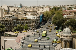 ترافیک خودروها در منطقه 12 تهران به علت سنگفرش 2 چهارراه