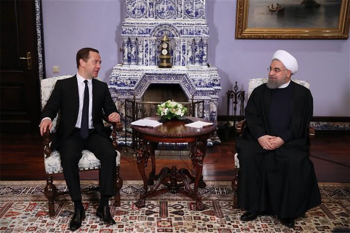 رییس جمهوری در دیدار نخست وزیر روسیه:  همکاری های ایران و روسیه در روند ثبات و امنیت منطقه و بین الملل موثر است