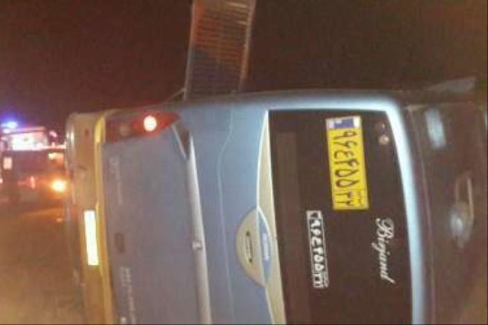 واژگونی مرگبار اتوبوس مسافربری با 31 سرنشین در لرستان