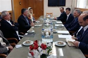 بازدید مسئولان مؤسسه کج فرانسه از دانشگاه تهران