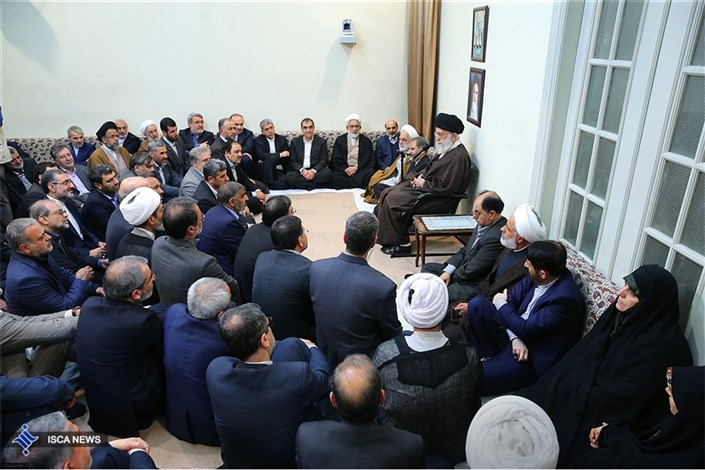 دیدار نوروزی جمعی از مسئولان کشور با مقام معظم رهبری