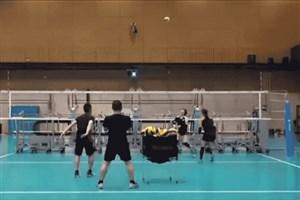 ژاپنی ها با ربات ها والیبال بازی کردند