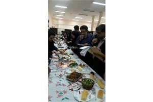 برگزاری جشنواره غذا سالم در دانشگاه  آزاد اسلامی واحد پرند