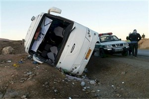 واژگونی اتوبوس ولوو در خراسان رضوی ٢٠ مجروح به جا گذاشت / راننده خسته و خوابآلود بود