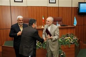 صالحی: دستاوردهای هسته ای تحسین برانگیز و افتخار آفرین است