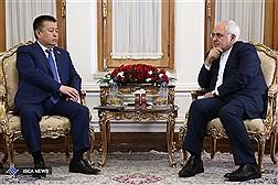 دیدار دکتر ظریف با رئیس مجلس قرقیزستان