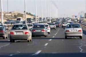 ترافیک صبحگاهی در آزادراه کرج – تهران/ مه گرفتگی و کاهش دید در استان مازندران