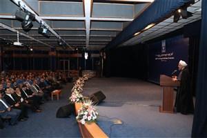 رئیس جمهوری:  انقلابیکسی است که فرصتهای منافع ملی را هدر ندهد