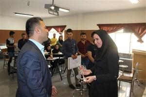 مراسم روز معلم در دانشگاه آزاد اسلامی  سنندج برگزار شد