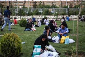 سومین روز نمایشگاه کتاب تهران چگونه گذشت؟/از آبگرفتگی نمایشگاه تا کمبود قطارهای مترو