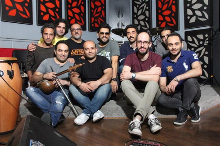 حامد بهداد خواننده کنسرت ۱۰ سالگی گروه «دارکوب» شد