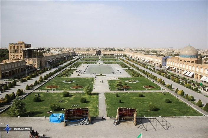 تعمیرات گنبد مسجد امام در میدان نقش جهان