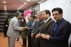 مراسم تجلیل از کارشناسان آزمایشگاه ها در دانشگاه آزاد اسلامی کرمان برگزار شد