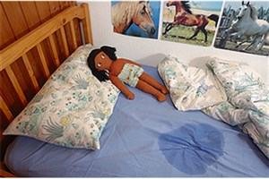 شب ادراری می تواند منجر به فلج عصب مثانه شود/ عوارض ضایعات مادرزادی ستون فقرات