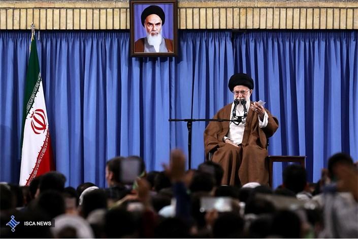 رهبر انقلاب اسلامی: میتوانیم بر همه سختیها و چالشها، مؤمنانه فائق بیاییم