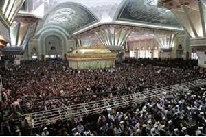 حضور گسترده مردم در آیین سالگرد ارتحال امام/ شبستان حرم مطهر مملو از جمعیت است