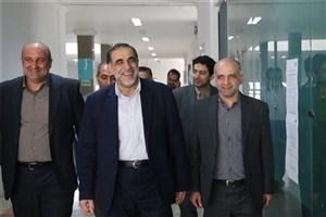 بازدید سرزده دکتر نوریان از برگزاری امتحانات در واحد علوم و تحقیقات دانشگاه آزاد اسلامی