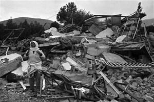 سکانسی از زندگی  تنها بازمانده خانواده 3 نفره از زلزله رودبار/ زلزله خانواده و تمام دارایی ام را از من گرفت