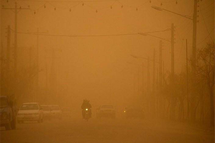 فردا هم  گرد و خاک مهمان خوزستانی هاست /  تعطیلی مدارس و دانشگاه های 20 شهر خوزستان