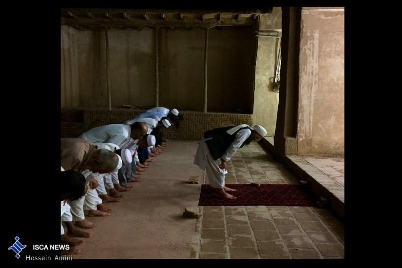 اینجا مسجد ابوبکر در شهر سنگان ...