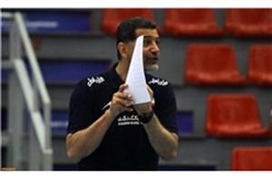 عطایی: والیبال ایران متأثر از سال های گذشته عمل می کند/ لیگ برتر پیشرفت نداشته است