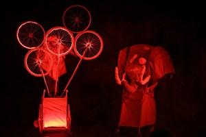استقبال هنرمندان از  نمایش  «پرنده و فیل»
