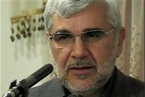 دشمن از طریق مسئولان نفوذی به نظام انقلاب اسلامی آسیب وارد میکند