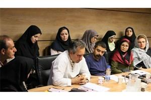 محمد حسینی: برای آشتی ادبیات نخبهگرا و عامهپسند باید پلی زد