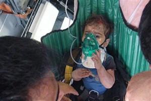 سقوط کودک یک ساله  از ساختمان 5 طبقه  و گیر کردن  در درز دیوار/آتش نشان ها نجاتش دادند/ عکس