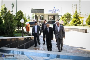 نخستین حضور دکتر فرهاد رهبر در دانشگاه آزاد اسلامی