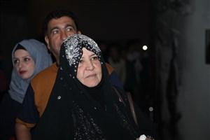 """""""ام قصی"""" مادر فداکار عراقی : در ایران احساس غربت نمی کنم"""