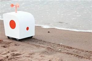 ربات شاعر لب ساحل شعر حکاکی می کند