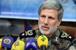 امیر حاتمی: صادرات تجهیزات نظامی در دستور کار وزارت دفاع/ کمکهای مستشاری به مقاومت ادامه مییابد