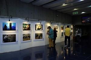 انعکاس تصویر شهر در گالری پردیس ملت
