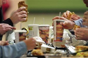 حضور نیروی متخصص تغذیه در بیمارستان ها ضروری است