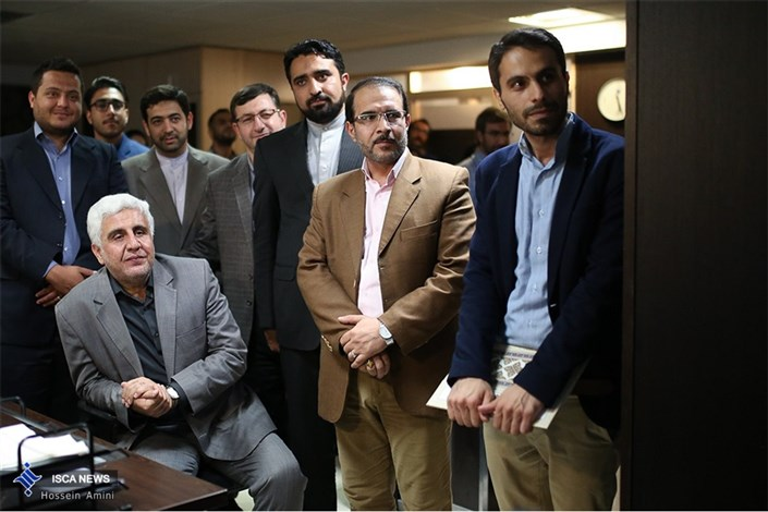 بازدید دکتر فرهاد رهبر رییس دانشگاه آزاد اسلامی از مجموعه خبرگزاری های دانشگاه آزاد