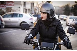 نمایش «آذر» ایرانی  در اروپا