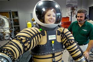 Space Suits New Generation Let Astronauts to Explore Mars