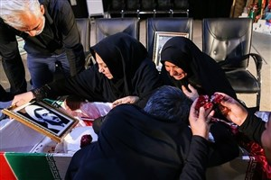 وداع  مردم اهواز با شهیدان علیبهار و علیپور