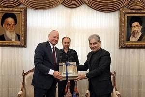 سفارت آلمان از توسعه روابط با آذربایجانشرقی حمایت میکند
