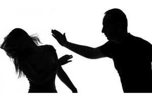 ضرب و شتم زنی مسلمان در اسپانیا