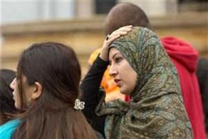 تهدید مسلمانان انگلیس به حمله با اسید