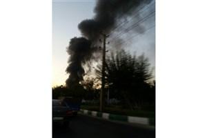 کارخانه پلاستیک خاوران در آتش سوخت/ عملیات مهار شعله ها ادامه دارد