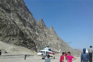 یک کشته در حادثه راه آهن  تنگ هفت لرستان/ مصدومان با اورژانس هوایی به بیمارستان منتقل شدند+عکس