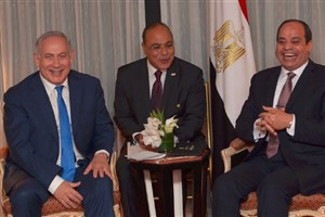 انتقاد رسانههای فلسطینی از خندههای عجیب السیسی در دیدار با نتانیاهو+عکس