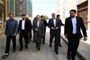 تشرف مشاور امور بینالملل مقام معظم رهبری و رئیس دانشگاه آزاد اسلامی کشور به آستان مقدس شاهچراغ(ع)