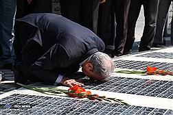 آیین نواختن زنگ دانش آموز شهید با حضور شهردار تهران