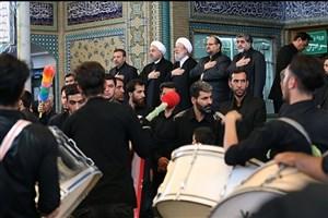 حضور روحانی در جمع عزاداران حسینی در حرم حضرت عبدالعظیم(ع)