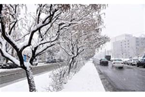 بارش برف در استان آذربایجان غربی/انسداد شبانه محور کندوان